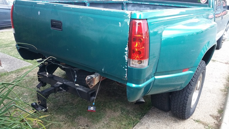 Rear tub lose and bumper removed ready for paint job GMC C2500 Dually